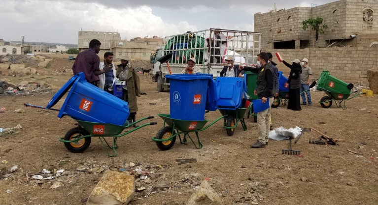 As response to COVID-19, the NRC team in Amran governorate launched a cleaning campaign in selected IDP camps to ensure the camps are sanitary.  Photo: Asma Mushabib/NRC